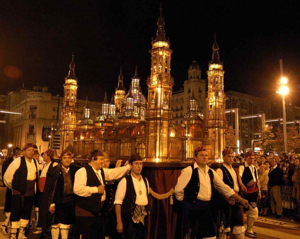 Fiestas del Pilar 2018 en Zaragoza - rosario (3)